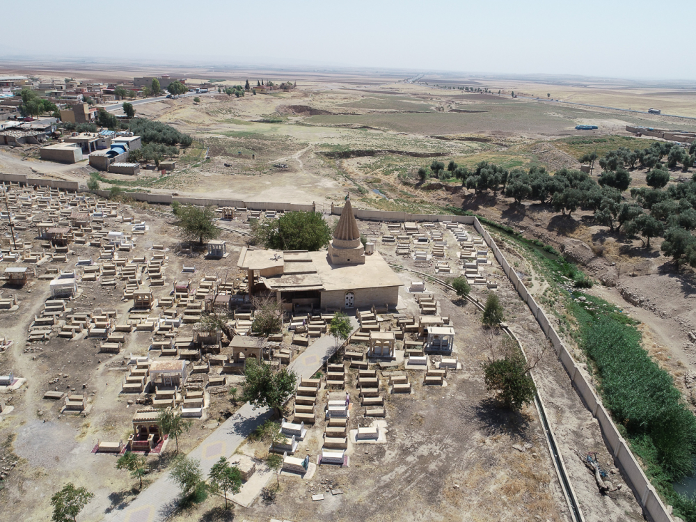 Fig. 46 - Village with mausoleum (© Land of Nineveh Archaeological Project 2018)