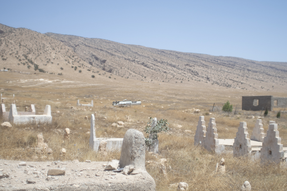 Fig. 38b - Cimitero yazida nella regione di Sinjar (©Jérémy André 2016)